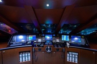 BURGAS 128 136_intermarine_burgas_pilothouse_4