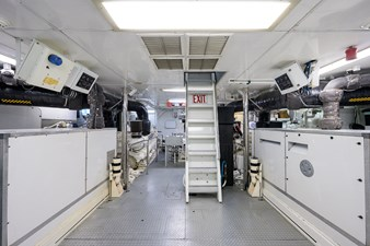 BURGAS 193 136_intermarine_burgas_engine_room_1