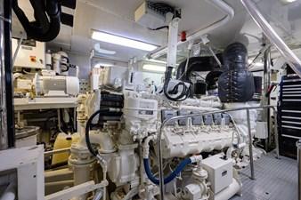 BURGAS 190 136_intermarine_burgas_engine_room_14