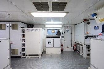 BURGAS 185 136_intermarine_burgas_engine_room_20