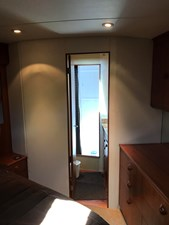 BE COOLEY 15 Master Stateroom Head