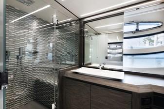 Monarc 17 Master En-Suite Shower and Head