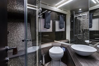 Monarc 22 Shared Guest Shower and Head