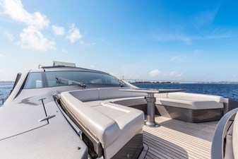 Monarc 24 Foredeck Seating