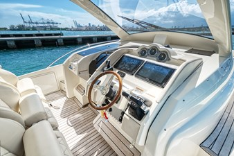 Chris Craft 6 Helm Starboard View