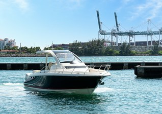 Chris Craft 26 Bow Starboard