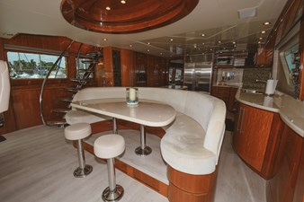 Exit Strategy 22 2006 Hargrave 105 Motor Yacht - Exit Strategy - Dinette