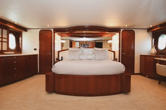 Exit Strategy 28 2006 Hargrave 105 Motor Yacht - Exit Strategy - Master Stateroom