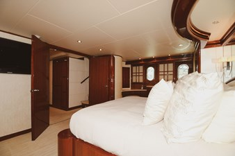 Exit Strategy 34 2006 Hargrave 105 Motor Yacht - Exit Strategy - Master Stateroom
