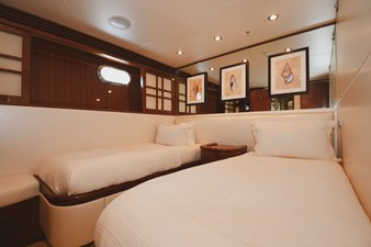 Exit Strategy 36 2006 Hargrave 105 Motor Yacht - Exit Strategy - Guest Stateroom