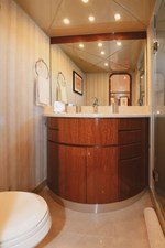 Exit Strategy 37 2006 Hargrave 105 Motor Yacht - Exit Strategy - Guest Head