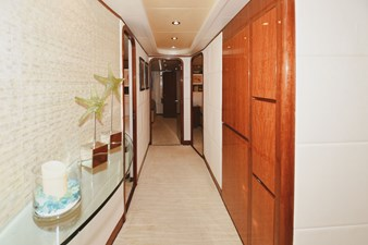Exit Strategy 40 2006 Hargrave 105 Motor Yacht - Exit Strategy - Companionway