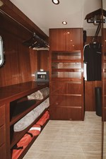 Exit Strategy 51 2006 Hargrave 105 Motor Yacht - Exit Strategy - Walk-In Closet