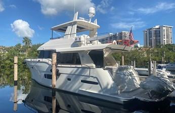 MAZE 1 MAZE 2018 OUTER REEF TRIDENT 620 Motor Yacht Yacht MLS #272509 1