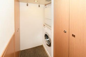 MONTRACHET 51 Laundry Area