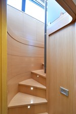 MONTRACHET 35 Staircase