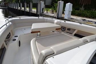 No Name 3 No Name 2020 BOSTON WHALER 350 Realm Cruising Yacht Yacht MLS #272540 3