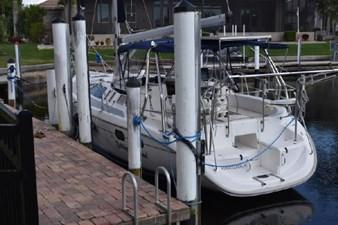 Betting on Wind 4 Betting on Wind 2001 HUNTER 380 Cruising Sailboat Yacht MLS #272546 4