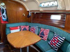 1999 Beneteau 381 1 1999 Beneteau 381 1999 BENETEAU 381 Cruising Sailboat Yacht MLS #272548 1
