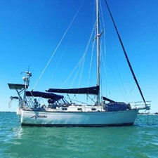 APSARA 1 APSARA 1989 ISLAND PACKET YACHTS 38 Cruising Sailboat Yacht MLS #272551 1