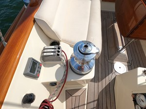 SWEET LUCY 22 Port Sail Controls