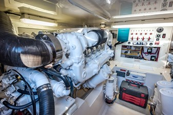 KEONI 17 KEONI Engine Room 3