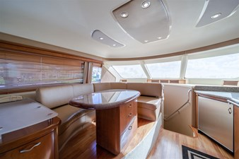 See Horse 6 Raised Dinette - Opposite of Galley