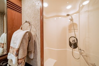 See Horse 18 Shower Stall