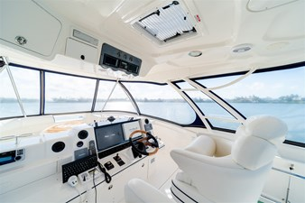 See Horse 43 Helm with Hatch