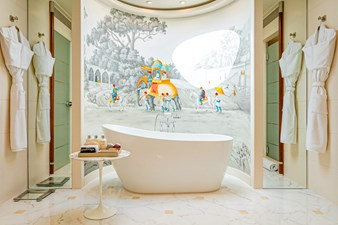 GITANA 13 Master Bath and Showers