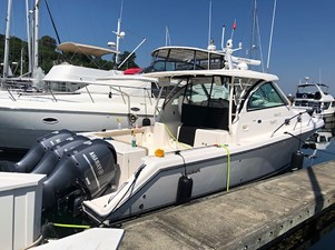 Knee Deep 4 Knee Deep 2015 PURSUIT 385 Offshore Motor Yacht Yacht MLS #272643 4