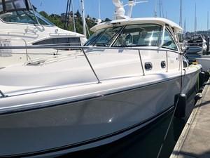 Knee Deep 7 Knee Deep 2015 PURSUIT 385 Offshore Motor Yacht Yacht MLS #272643 7