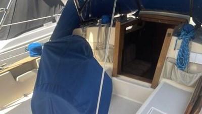 1991 Island Packet 29 3 1991 Island Packet 29 1991 ISLAND PACKET YACHTS 29 Cruising/Racing Sailboat Yacht MLS #272648 3