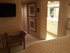SOUTHERN MISS II 12 Master Stateroom Forward