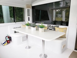 SOUTHERN MISS II 20 Aft Deck Seating