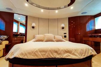 SEVEN 27 Master cabin