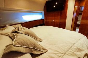 SEVEN 35 VIP cabin