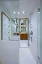 JEANNIETINI 21 Master Shower