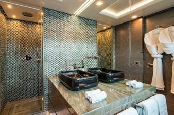 Liberty 27 22. Guest bathroom