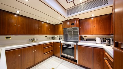 Southwind Of 16 Spacious Galley