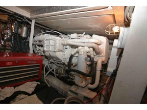 46 Motor Yacht 22 23