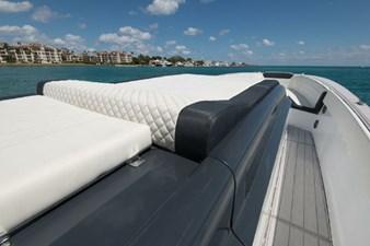 Custom CSR Powerboats V53 10