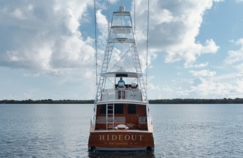 HIDEOUT 35 Transom View