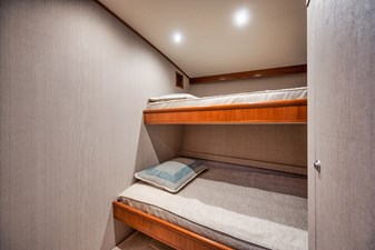 HIDEOUT 18 Starboard Stateroom