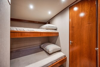 HIDEOUT 20 Port Stateroom