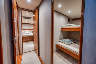 HIDEOUT 17 Starboard Stateroom Entry