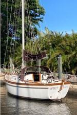Spirit 2 Spirit 1980 SHANNON 28 Cruising Sailboat Yacht MLS #272692 2