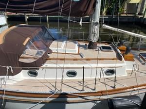Spirit 3 Spirit 1980 SHANNON 28 Cruising Sailboat Yacht MLS #272692 3