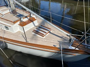 Spirit 4 Spirit 1980 SHANNON 28 Cruising Sailboat Yacht MLS #272692 4