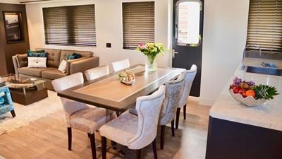 LIVINGSTONE 1 livingstone-13299-006-dining-33729